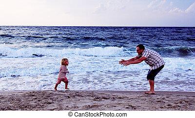 töchterchen, vater, zusammen, sonnenuntergang- strand, spielende