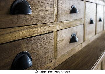 tölgy, beépített szekrény