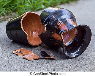 törött, váza