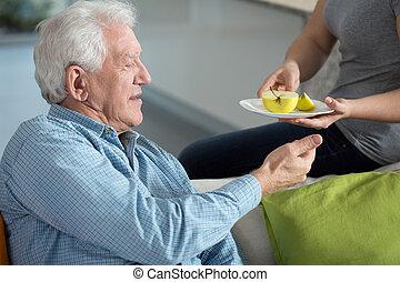 törődik, lány, körülbelül, atya, idősebb ember