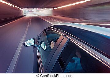 túnel, car, através, dirigindo
