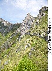 túnel, de, camino, en, picos de europa
