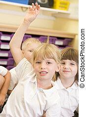 tło, zgłaszanie się na ochotnika, studenci, student, focus), (selective, klasa