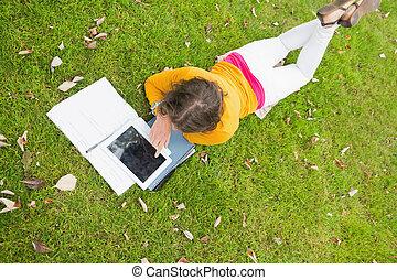 t, femme, utilisation, étudiant, pc tablette