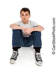 t-shirt, adolescente, calças brim, sentando, pre, menino