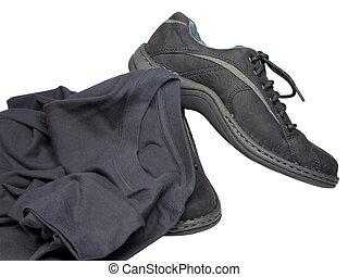 t-shirt, sapatos