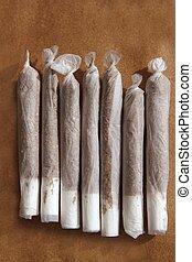 tabaco, coyuntura, arrollado, mano, cigarrillos, fila