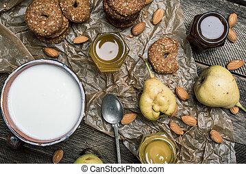 tabela madeira, iogurte, massa, pêras