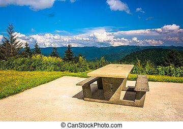 tabela piquenique, e, vista, de, a, montanhas appalachian, de, a, azul
