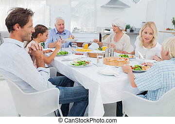 tabla, cena, familia extendida