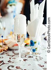 tabla, con, alimento, y, drink., boda tradicional, banquet.