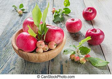 tabla de madera, manzanas, rojo