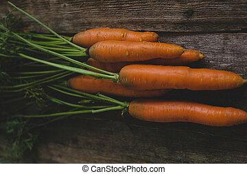 tabla, zanahorias