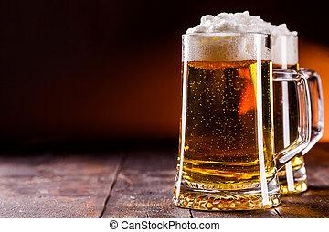 table bois, bière