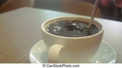 table bois, café, tasse blanche
