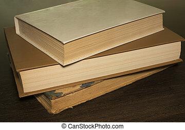 table bois, livres
