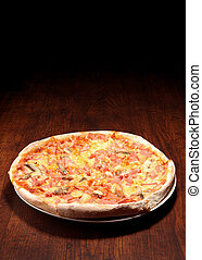 table bois, pizza