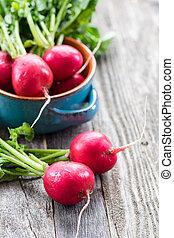 table bois, radis