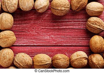 table bois, rouges, noix