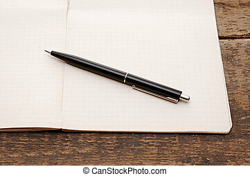 table bois, stylo, cahier, vieux