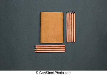 table, cahier, crayons, bureau bureau