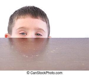 table, derrière, cuisine, enfant, dissimulation