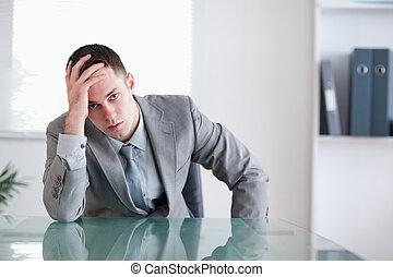 table, derrière, homme affaires, décue, séance