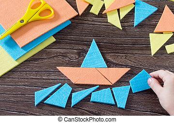 table, enfant, assemblé, concept, figure, puzzle, main, tangram, bateau, carrée, bois, enfance, above., development., tôt