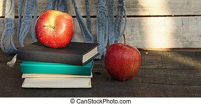 table., livres, tas, pomme