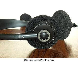 table., noir, bois, casque à écouteurs