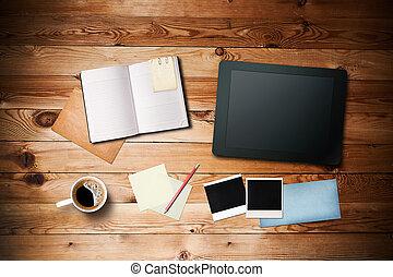 table, papier, photos, pc, tasse, espace de travail, instant, bois, vieux, cahier, café, note, tablette