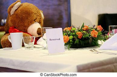 table, réservé