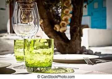 Table setting for al fresco dining