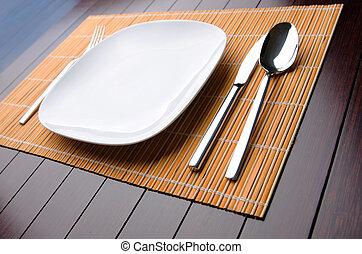 Table utensils served for the dinner