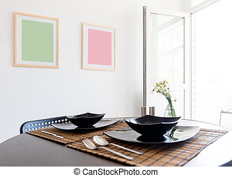 Table with black plates