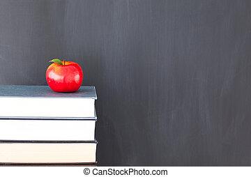 tableau noir, pomme, pile, livres, propre, rouges