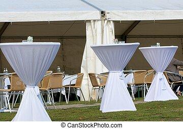 tableclothes , βάζω στο τραπέζι