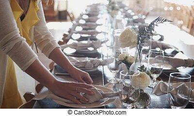 tables, banquet, mariage, luxueux, servi