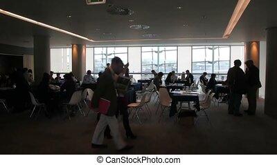 tables, gens, discussion, asseoir, réunion, salle