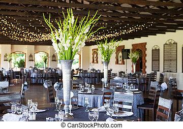 tables, lieu, lumières, réception, mariage, décoré, fée