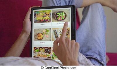 tablet., nourriture, ligne, shoping, utilisation, homme, concept, déjeuner, ordres
