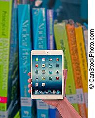 tablet pc, boekjes , concept
