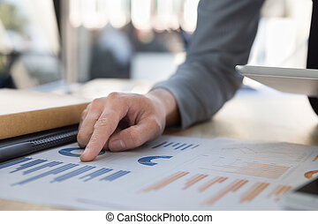 tablet., wykresy, wykresy, analizując, cyfrowy, biznesmen
