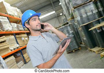 tableta, teléfono, hablar, tenencia, almacén, hombre