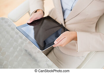 tabletta, üzletasszony, feláll, számítógép, kitart sűrű