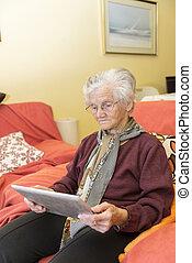 tabletta, nagyanyó, alkalmaz, tanulás