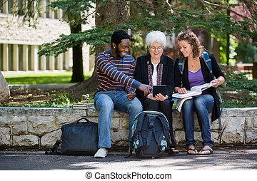tablette, étudiants, université, numérique, utilisation, campus, heureux