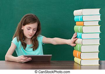 tablette, éviter, livres, numérique, utilisation, girl