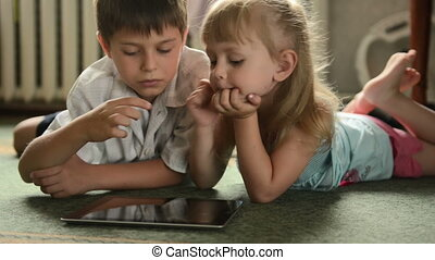 tablette, childs, deux, pc, mensonge