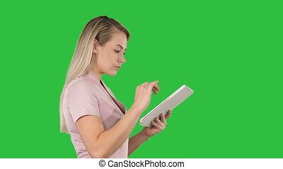tablette, chroma, recherche, écran, vert, quelque chose, tenue, numérique, girl, key.